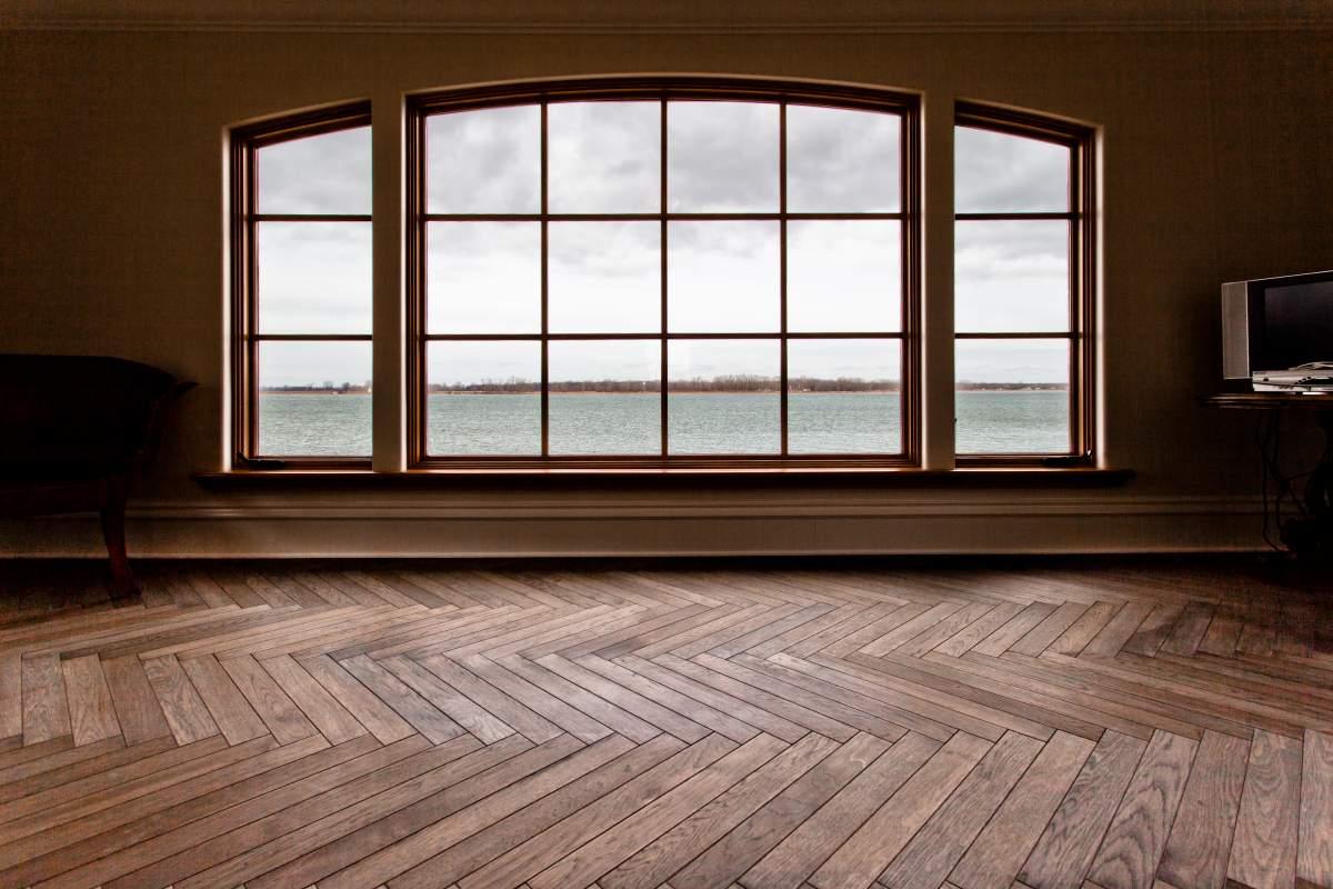 Installatie houten vloeren lamelparket waar op letten